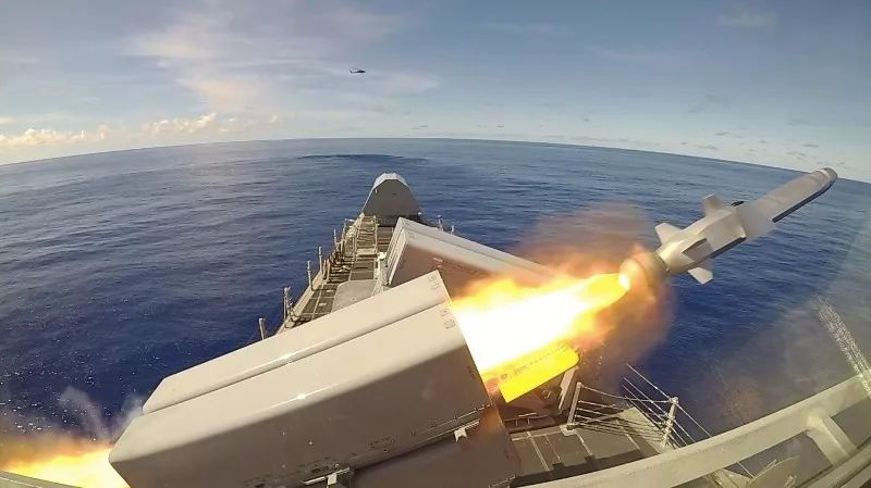 """美海军十一试射""""海军打击导弹""""称""""让对手清醒"""""""