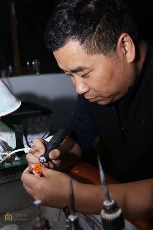 玉雕大师万德旭——对材料尊重 对艺术负责