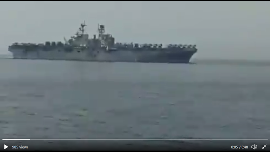 伊朗海军近距侦察美军两栖巨舰 军机堆满甲板(图)